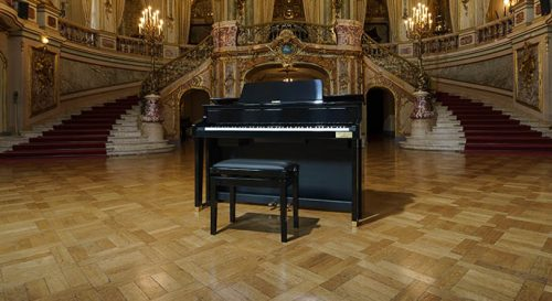 Casio GP-510 in the middle of a baroque classical hall